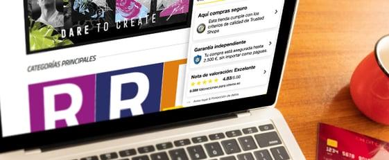 laptop con tienda online oteros